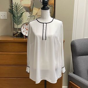 Vince Camuto cream blouse with black piping